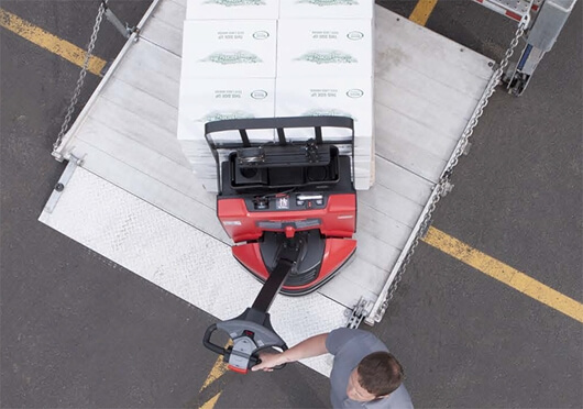 montacargas 8210 maniobrab AC Traction